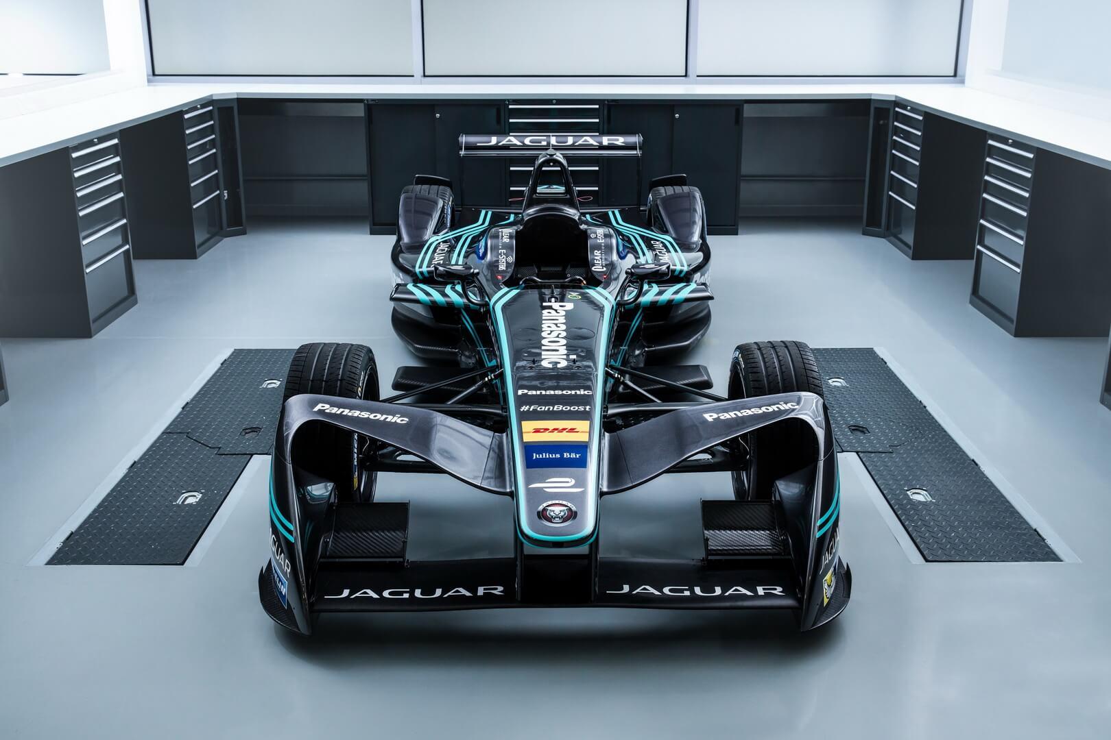 Спорткар Jaguar I-TYPE 2