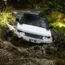 Фотография экоавто Range Rover Sport plug-in hybrid P400e - фото 13