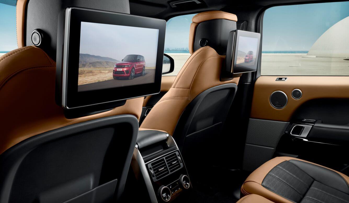 Мониторы для задних пассажиров в Range Rover Sport PHEV