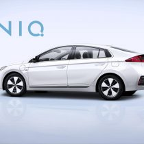 Фотография экоавто Hyundai Ioniq Plug-in Hybrid - фото 2