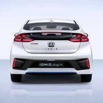 Фотография экоавто Hyundai Ioniq Plug-in Hybrid - фото 11