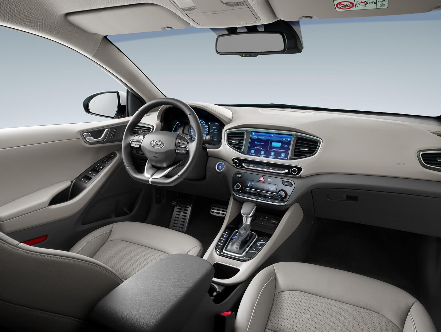 Фотография экоавто Hyundai Ioniq Plug-in Hybrid - фото 14