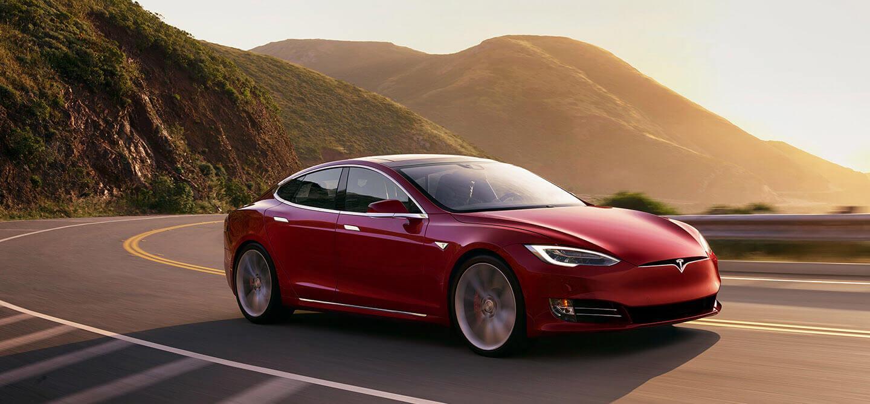 Электромобиль Tesla ModelS