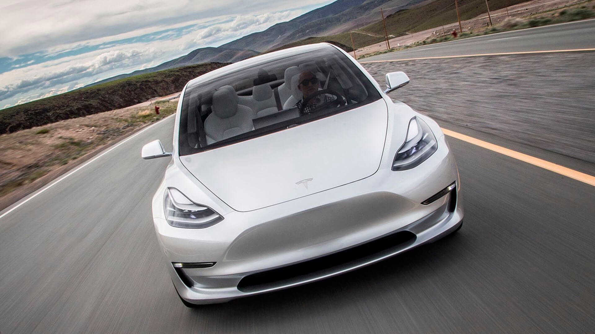 Самый ожидаемый и пока «проблемный» электромобиль компании Tesla Model 3
