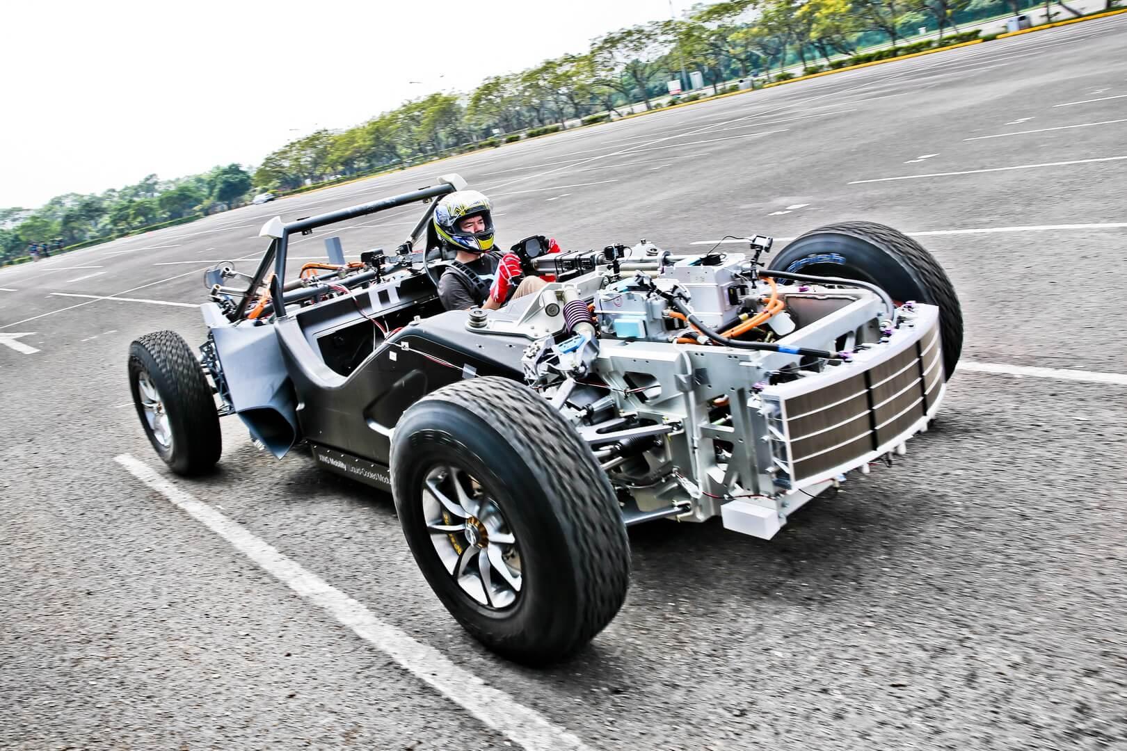 Электрический спорткар XING Miss R