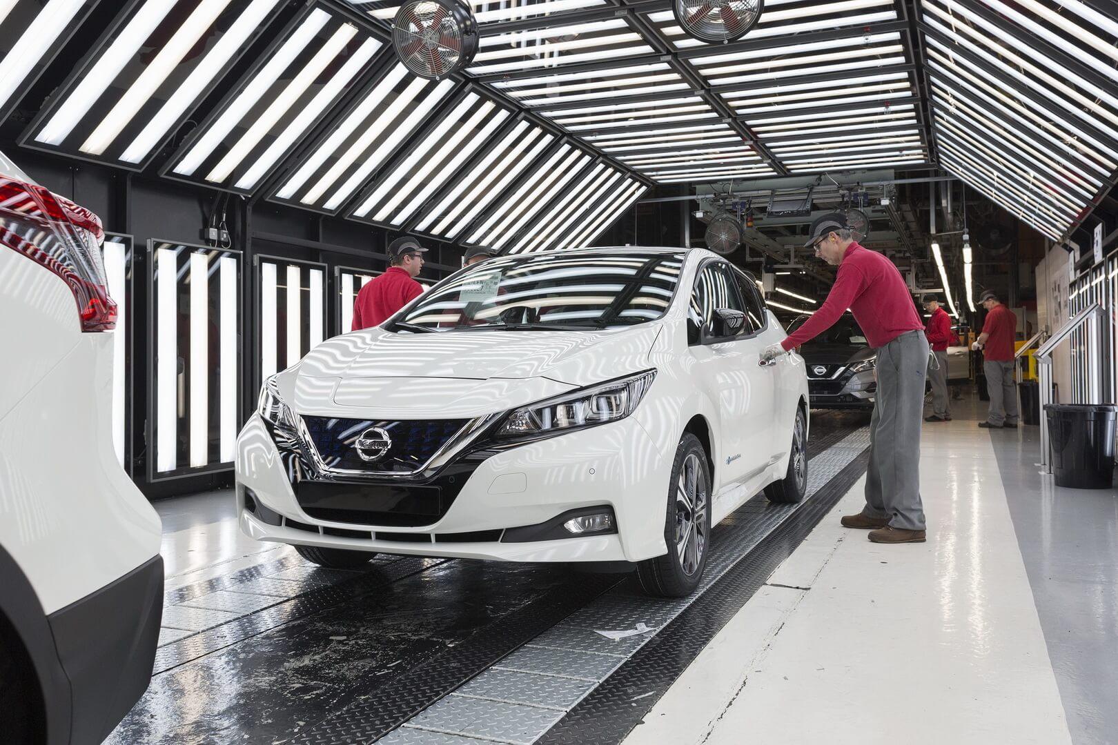 Осмотр электромобиля Nissan Leaf 2018