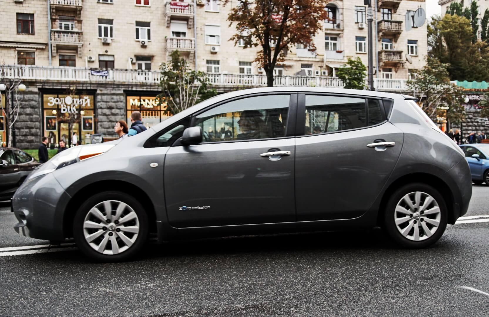 Самый востребованный электромобиль в Украине Nissan Leaf 2013-2015 годов