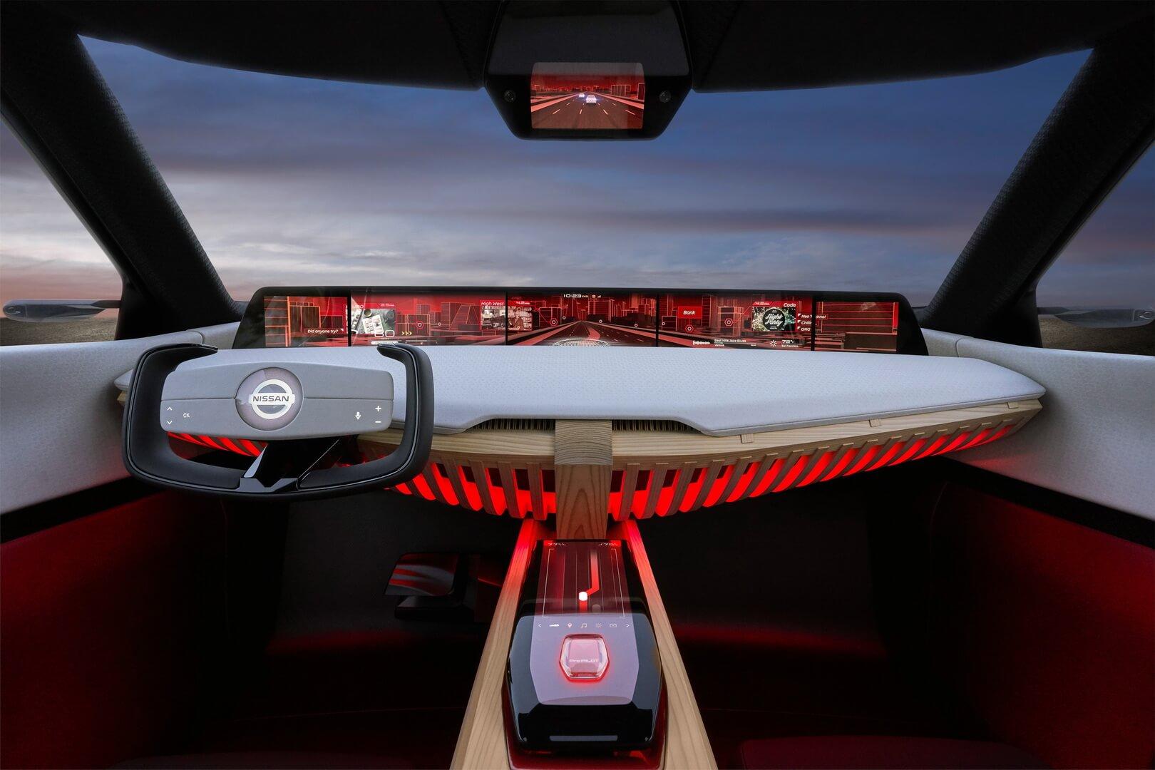 Приборная панель с дисплеями Nissan Xmotion