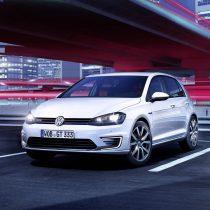 Фотография экоавто Volkswagen Golf GTE - фото 3