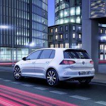 Фотография экоавто Volkswagen Golf GTE - фото 2