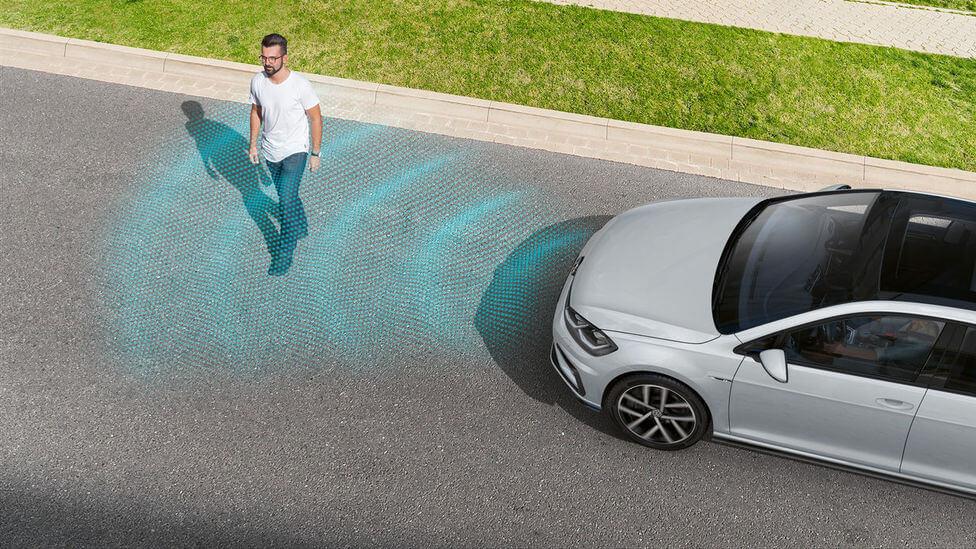 Система распознавания пешеходов Volkswagen Golf GTE