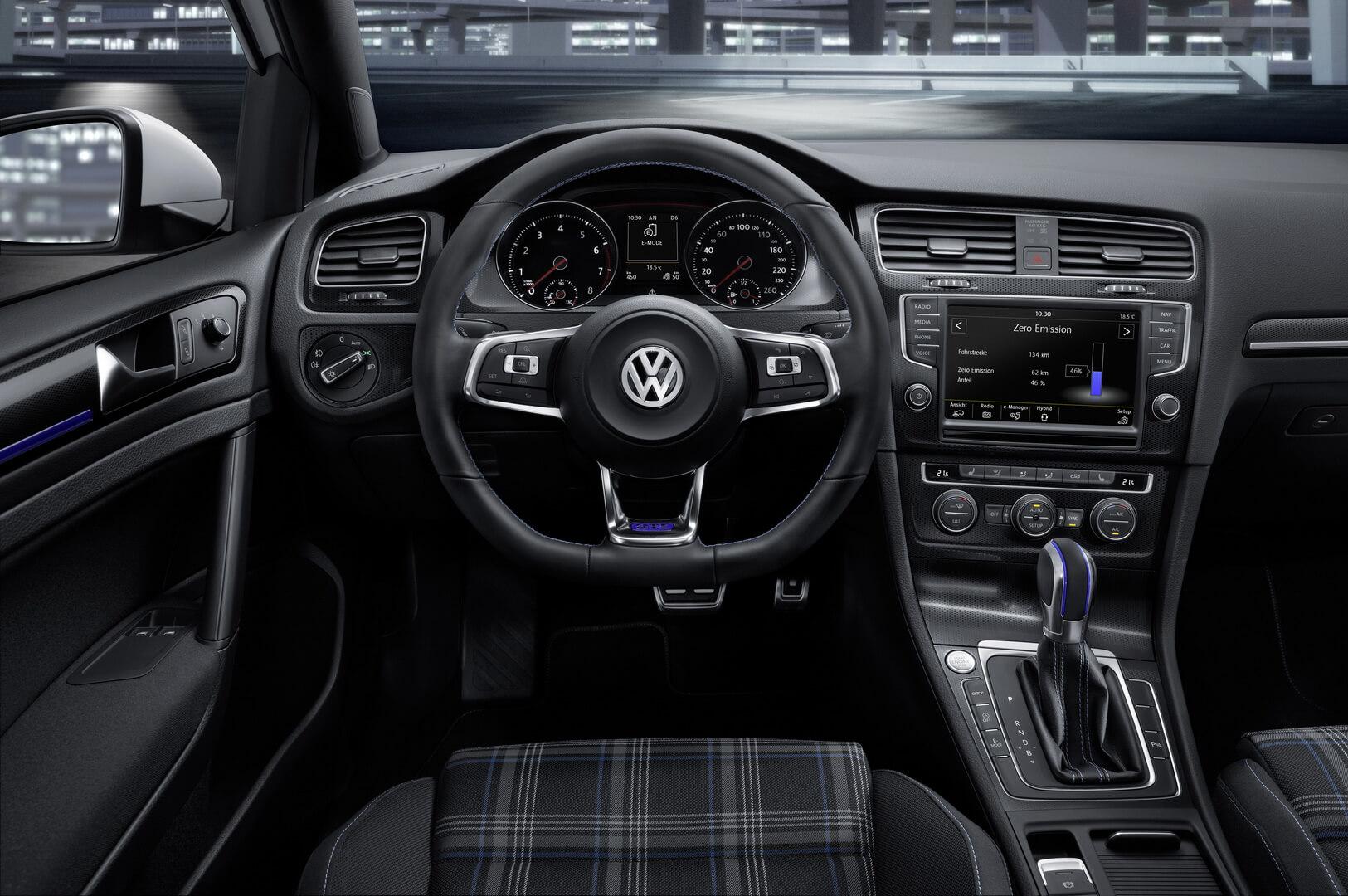 Фотография экоавто Volkswagen Golf GTE - фото 9