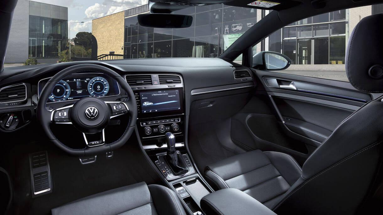 Интерьер Volkswagen Golf GTE