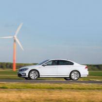 Фотография экоавто Volkswagen Passat GTE - фото 2