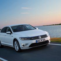 Фотография экоавто Volkswagen Passat GTE - фото 12