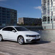Фотография экоавто Volkswagen Passat GTE - фото 3