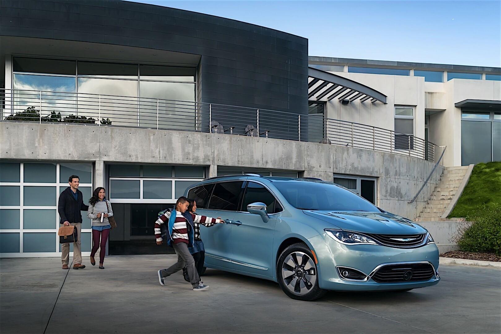 Фотография экоавто Chrysler Pacifica Hybrid - фото 5