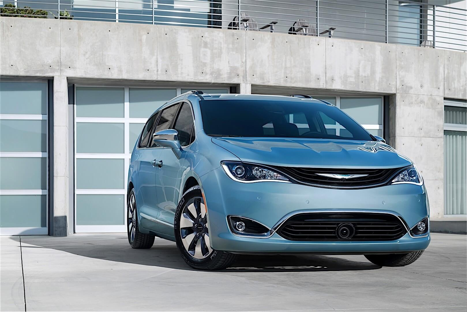 Фотография экоавто Chrysler Pacifica Hybrid - фото 13