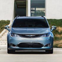 Фотография экоавто Chrysler Pacifica Hybrid - фото 2