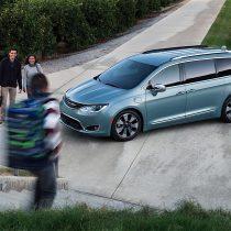 Фотография экоавто Chrysler Pacifica Hybrid - фото 7