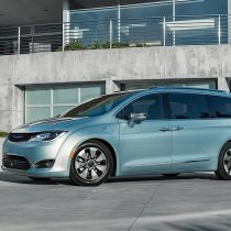 Фотография экоавто Chrysler Pacifica Hybrid