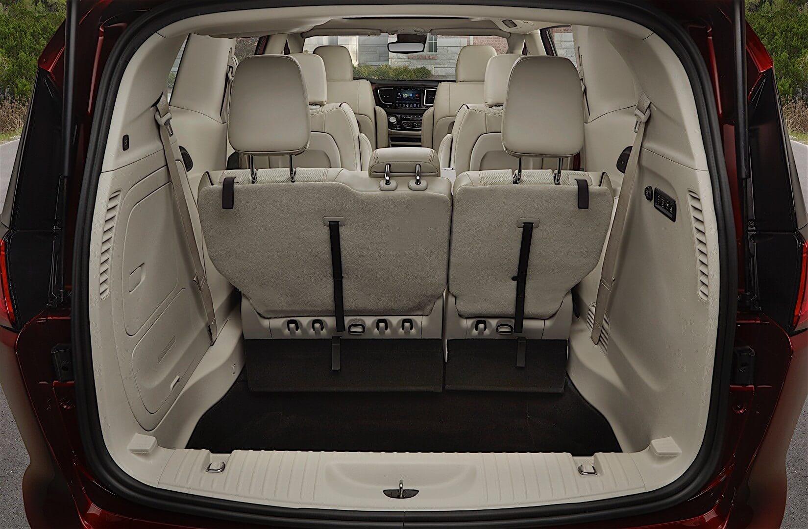Фотография экоавто Chrysler Pacifica Hybrid - фото 19