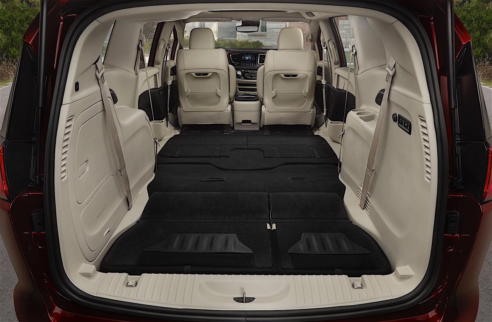 Фотография экоавто Chrysler Pacifica Hybrid - фото 18