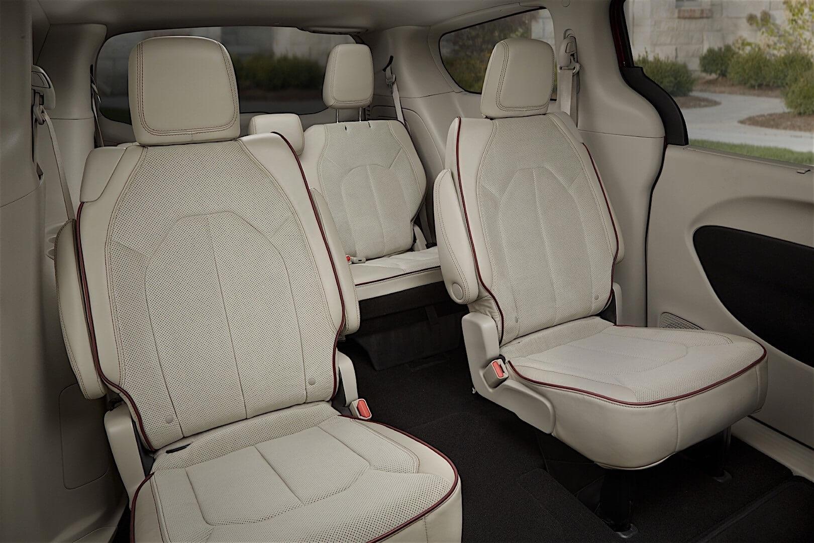 Фотография экоавто Chrysler Pacifica Hybrid - фото 16