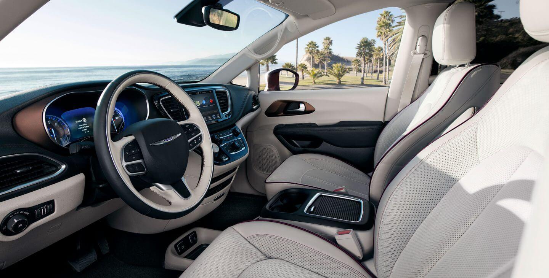 Передние кресла Chrysler Pacifica Hybrid