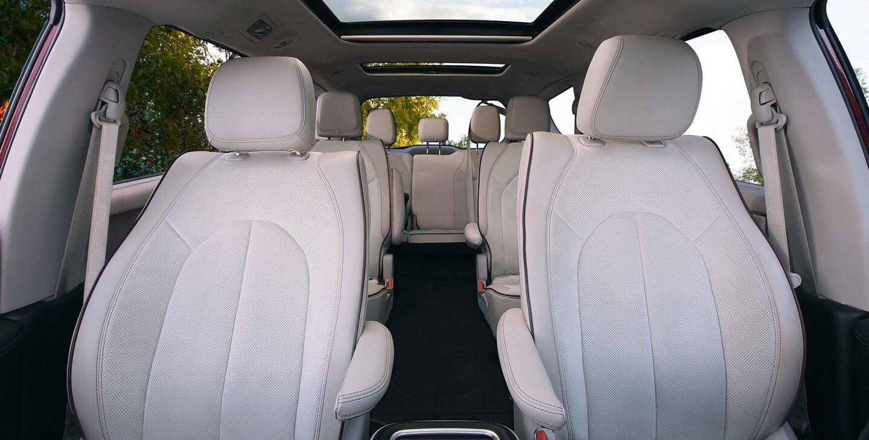 Расположение сидений в Chrysler Pacifica Hybrid