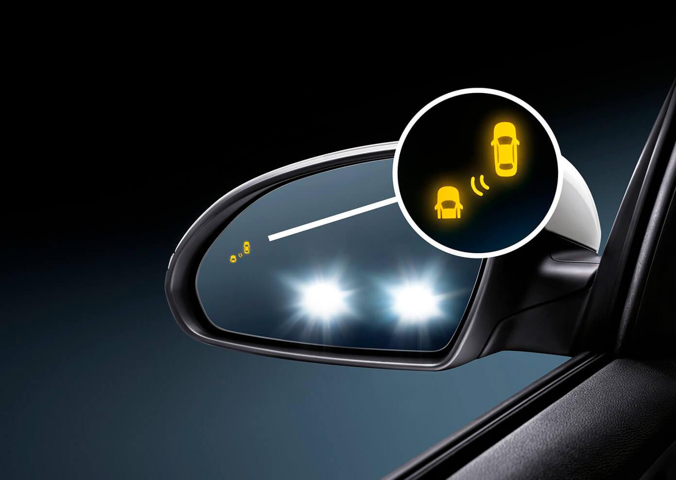 Мониторинг слепых зон в Kia Optima Plug-In Hybrid