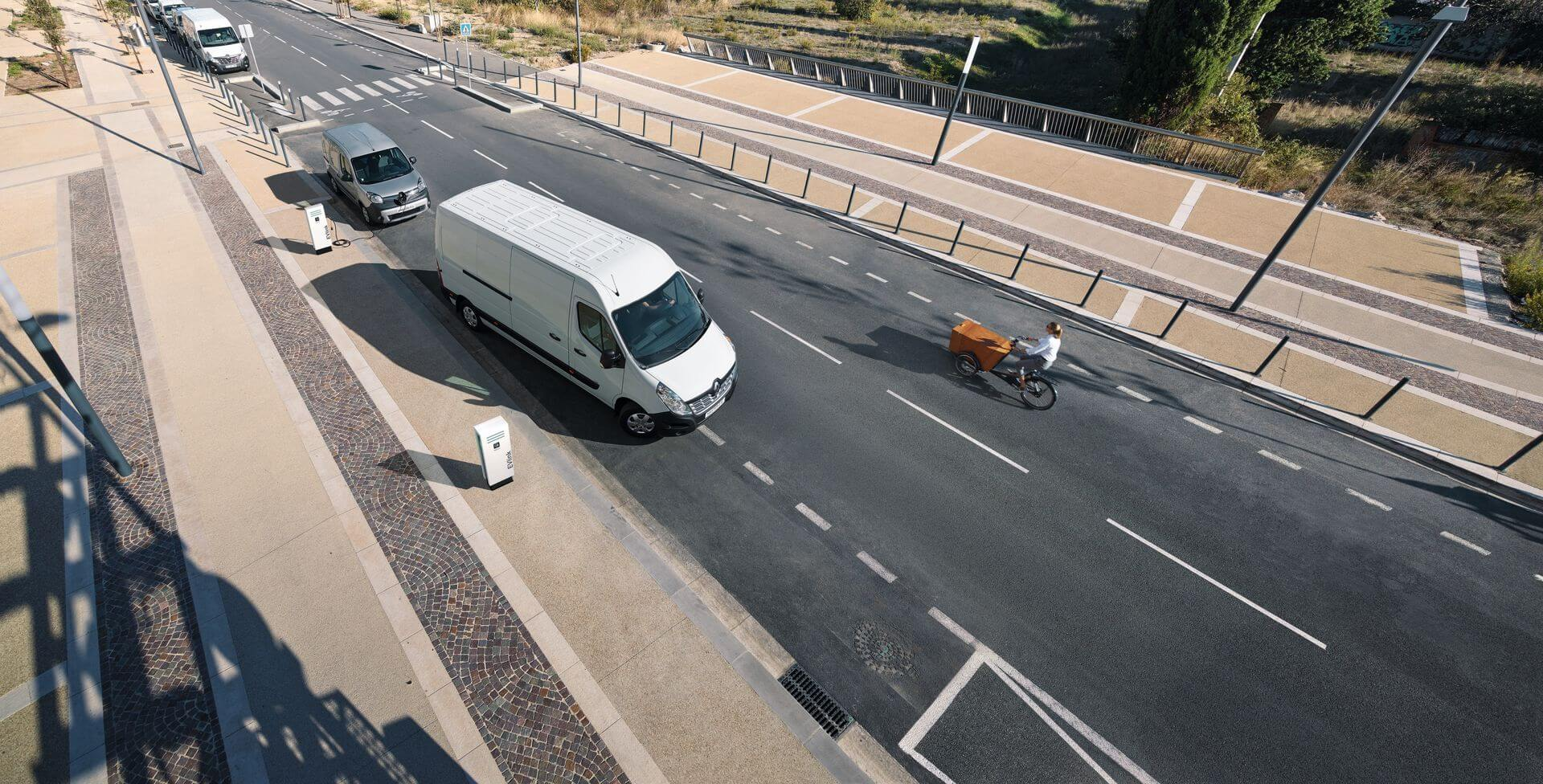Фотография экоавто Renault Master Z.E. - фото 6