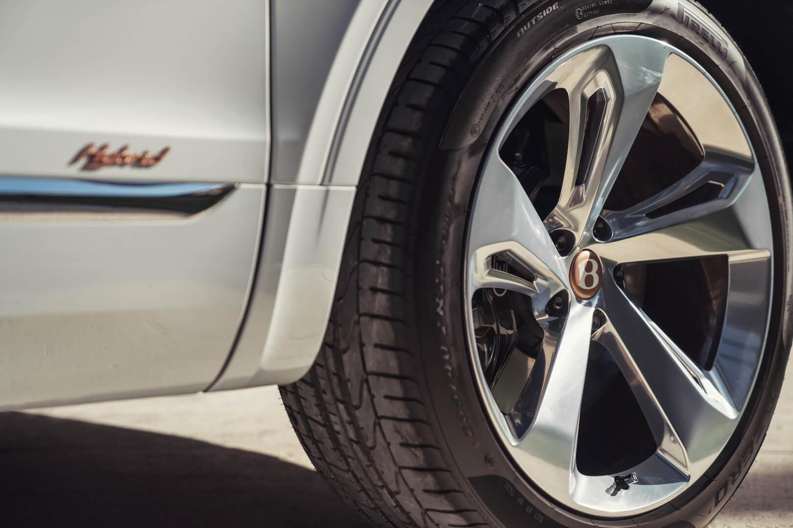 Фотография экоавто Bentley Bentayga Hybrid - фото 17