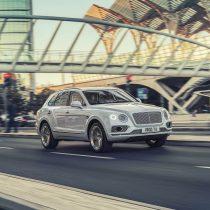 Фотография экоавто Bentley Bentayga Hybrid - фото 12