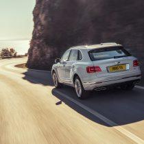 Фотография экоавто Bentley Bentayga Hybrid - фото 10