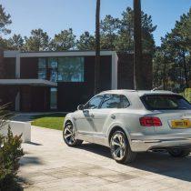 Фотография экоавто Bentley Bentayga Hybrid - фото 6
