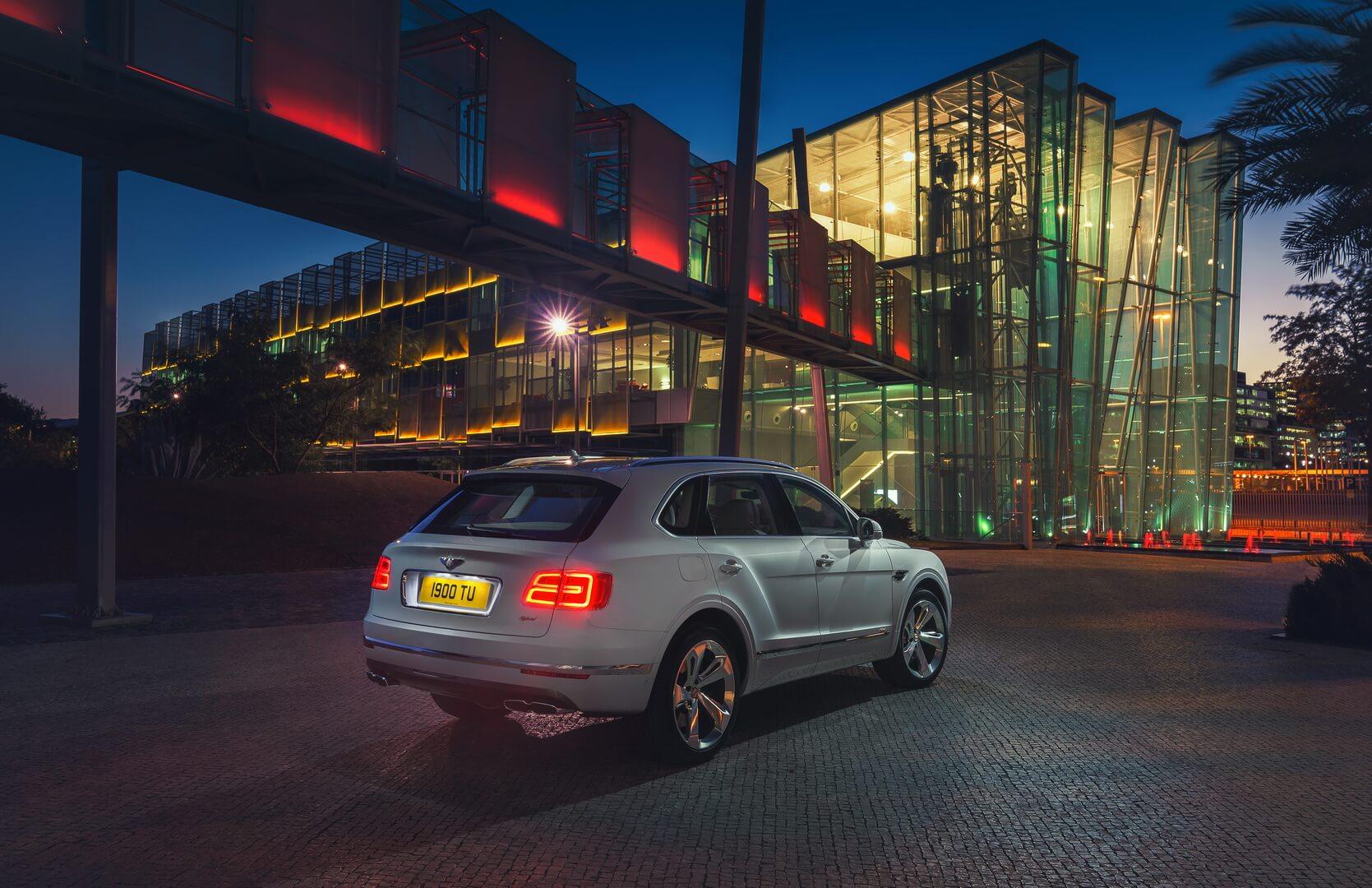 Фотография экоавто Bentley Bentayga Hybrid - фото 5