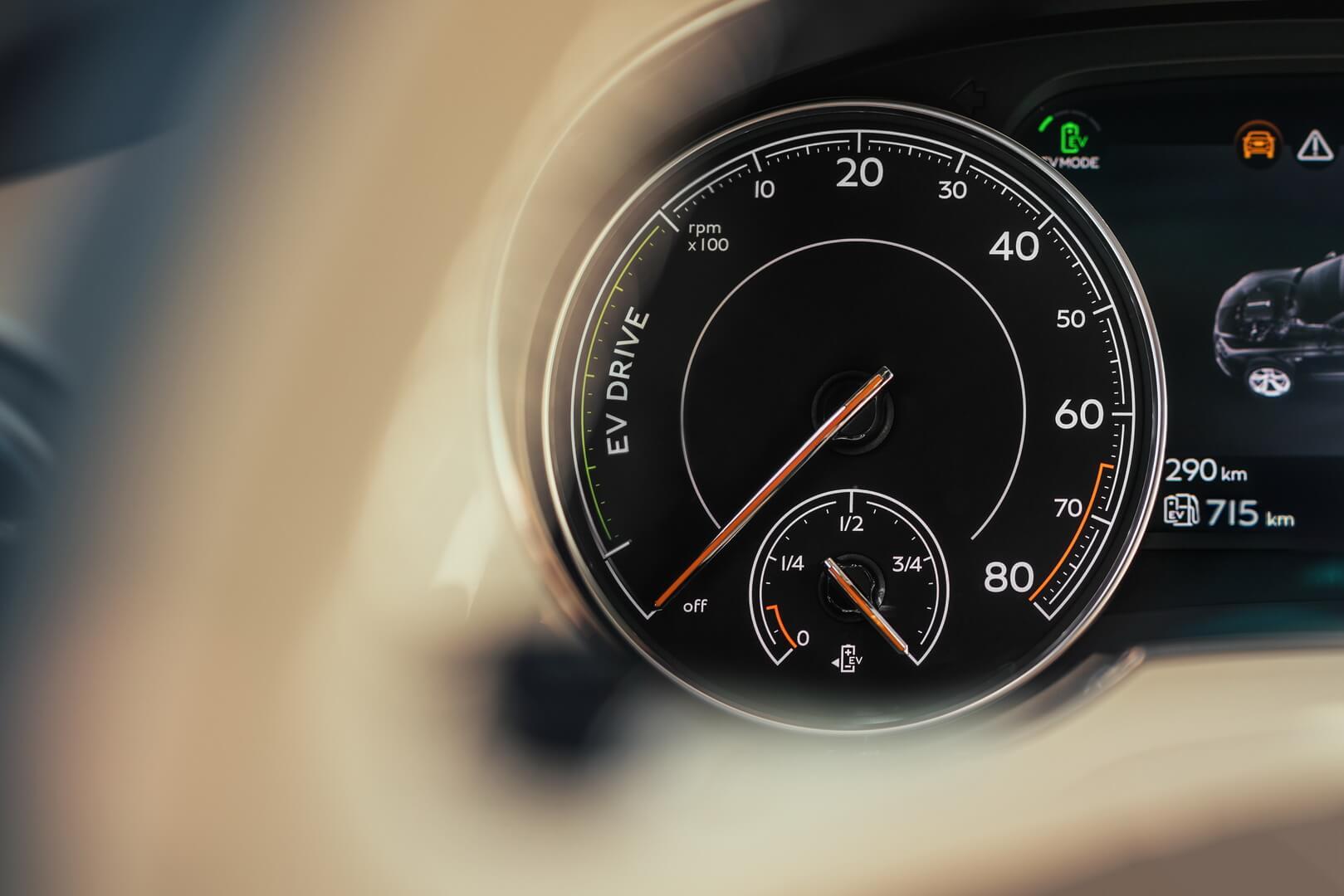 Фотография экоавто Bentley Bentayga Hybrid - фото 20