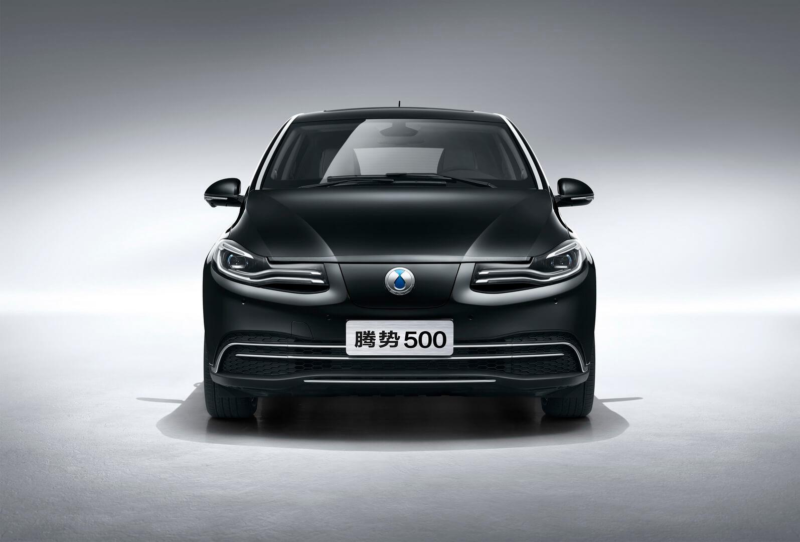 Электромобиль Denza 500 для китайского рынка