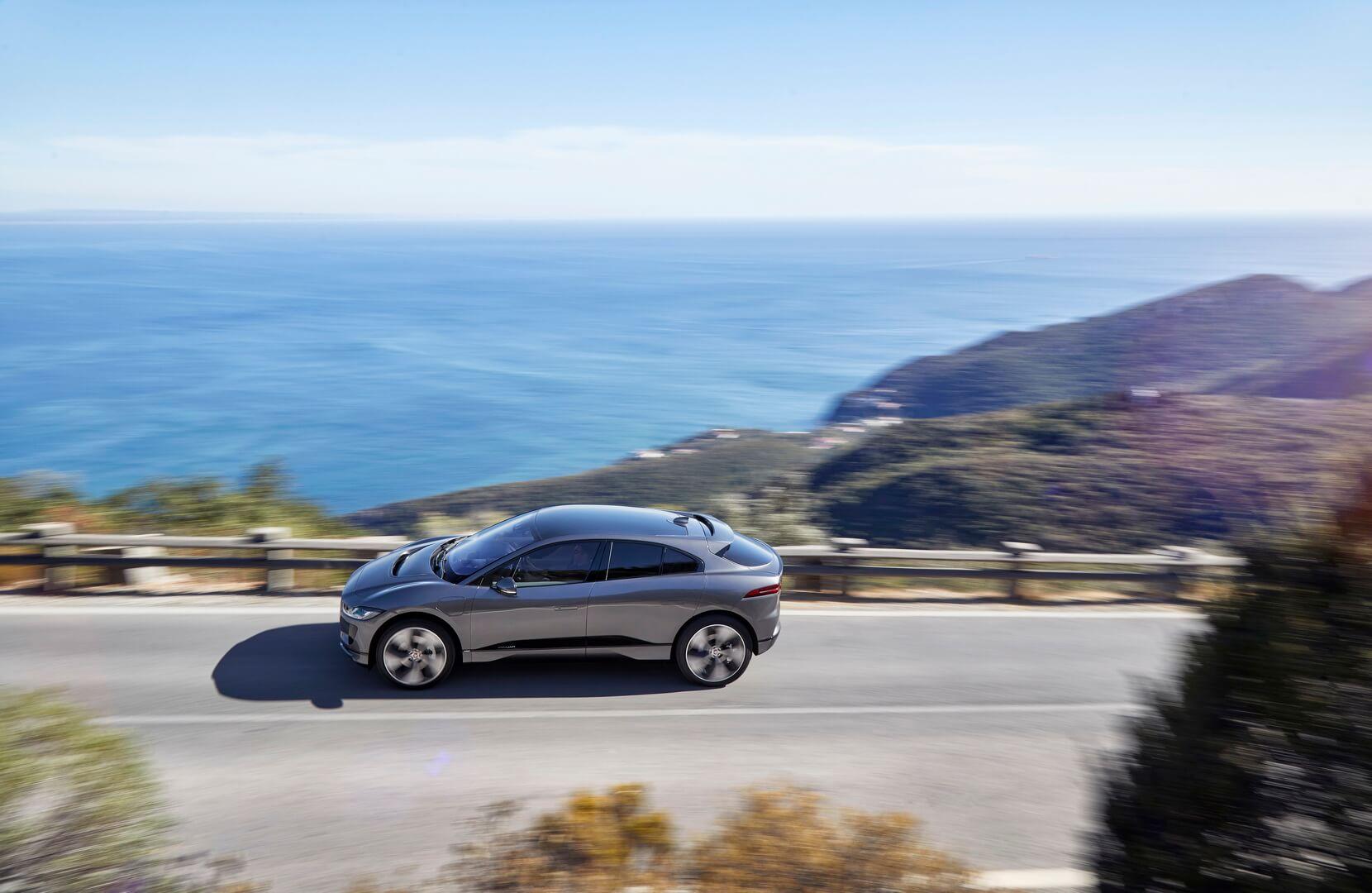 Фотография экоавто Jaguar I-Pace - фото 12