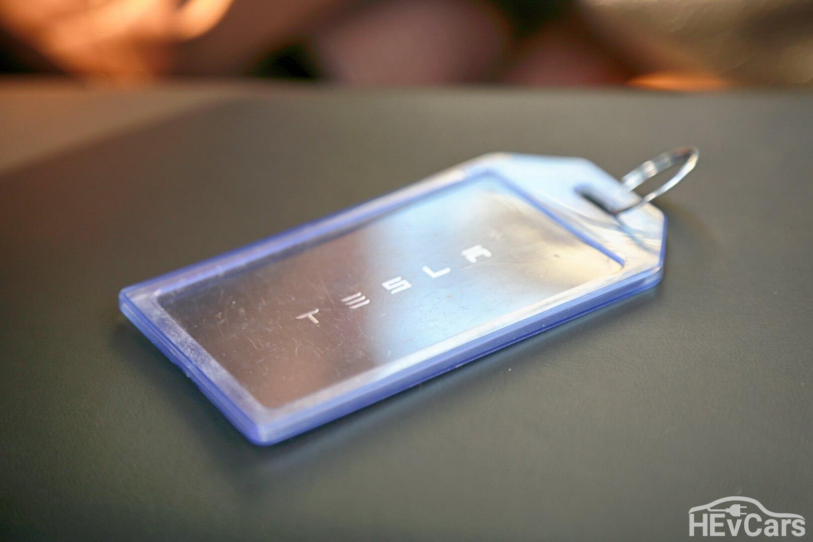 Ключ-карта разблокировки электромобиля Tesla Model 3