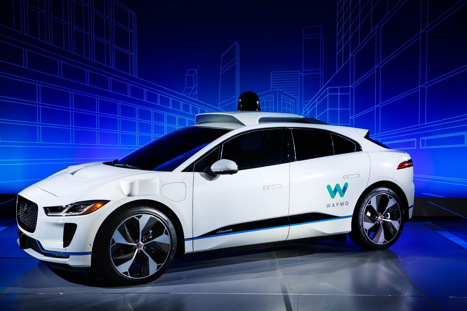 Беспилотный электромобиль премиум-класса Jaguar I-Pace с технологией Waymo