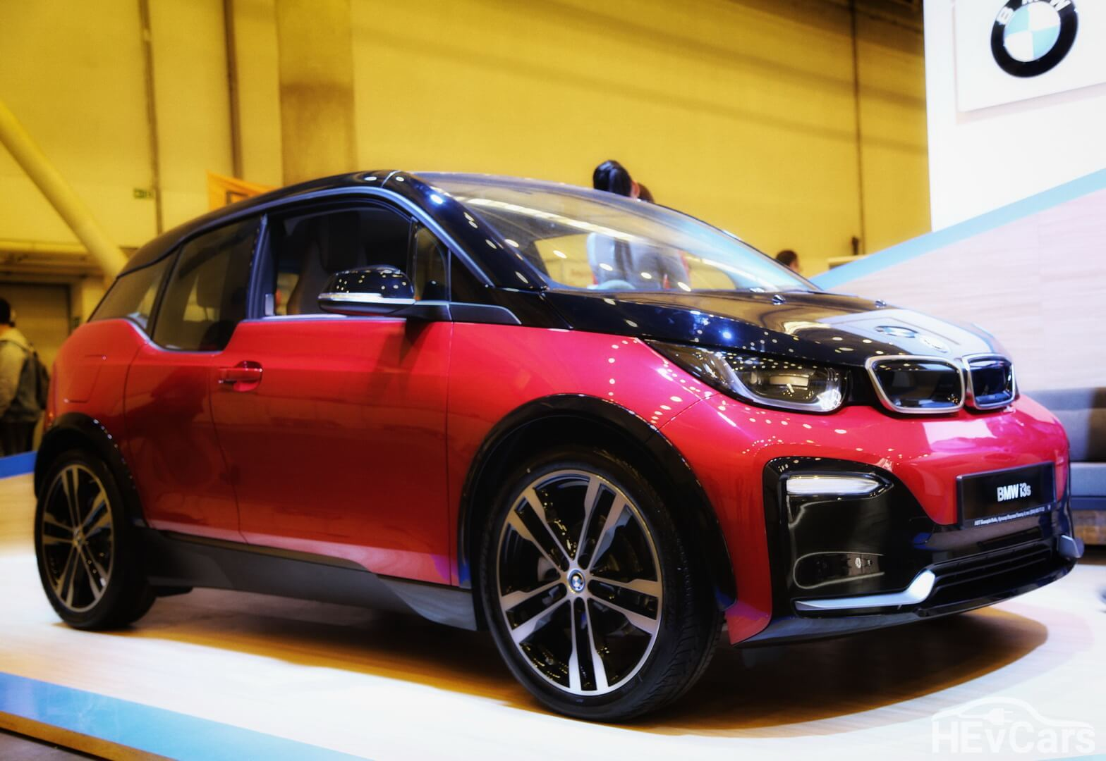 Чистый электромобиль BMW i3s