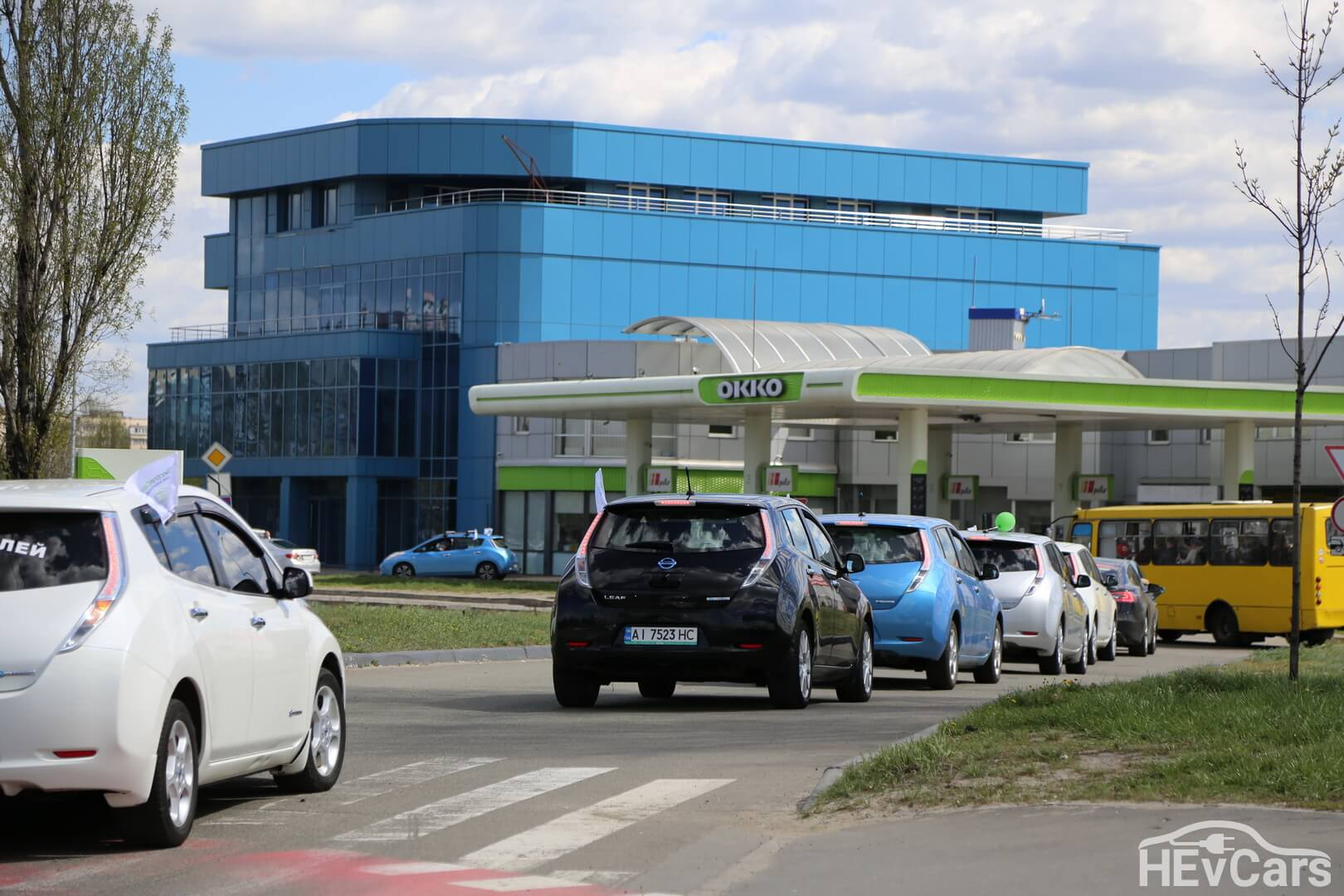 Электромобильный пробег в Киеве через топливные заправки