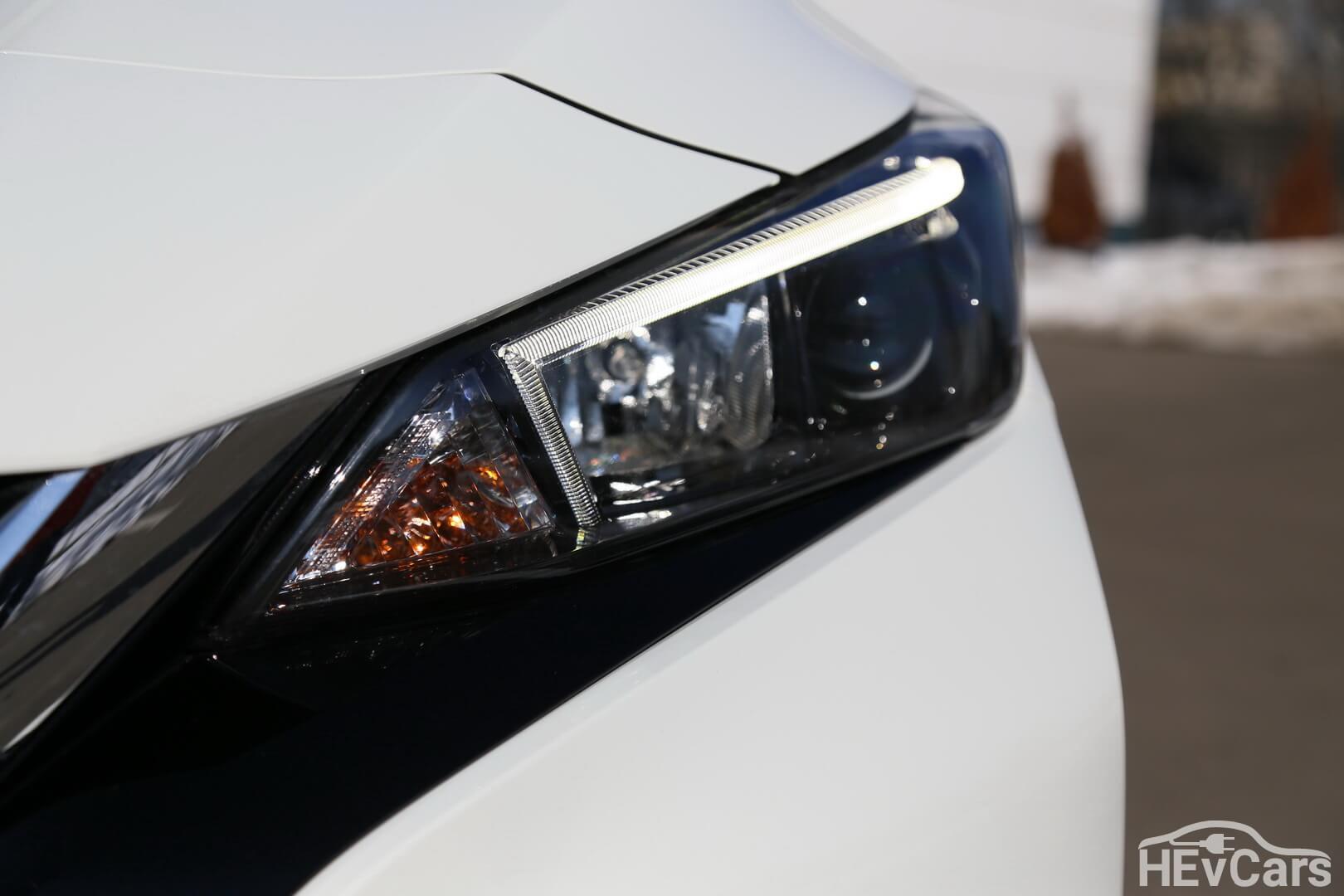Передняя оптика Nissan Leaf 2018