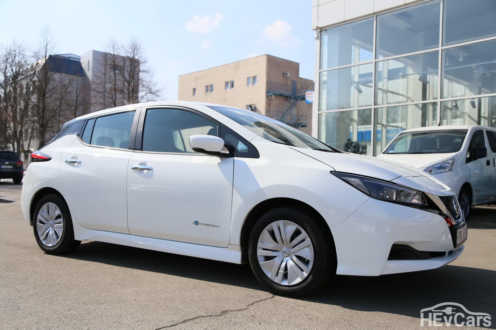 Электромобиль Nissan Leaf второго поколения