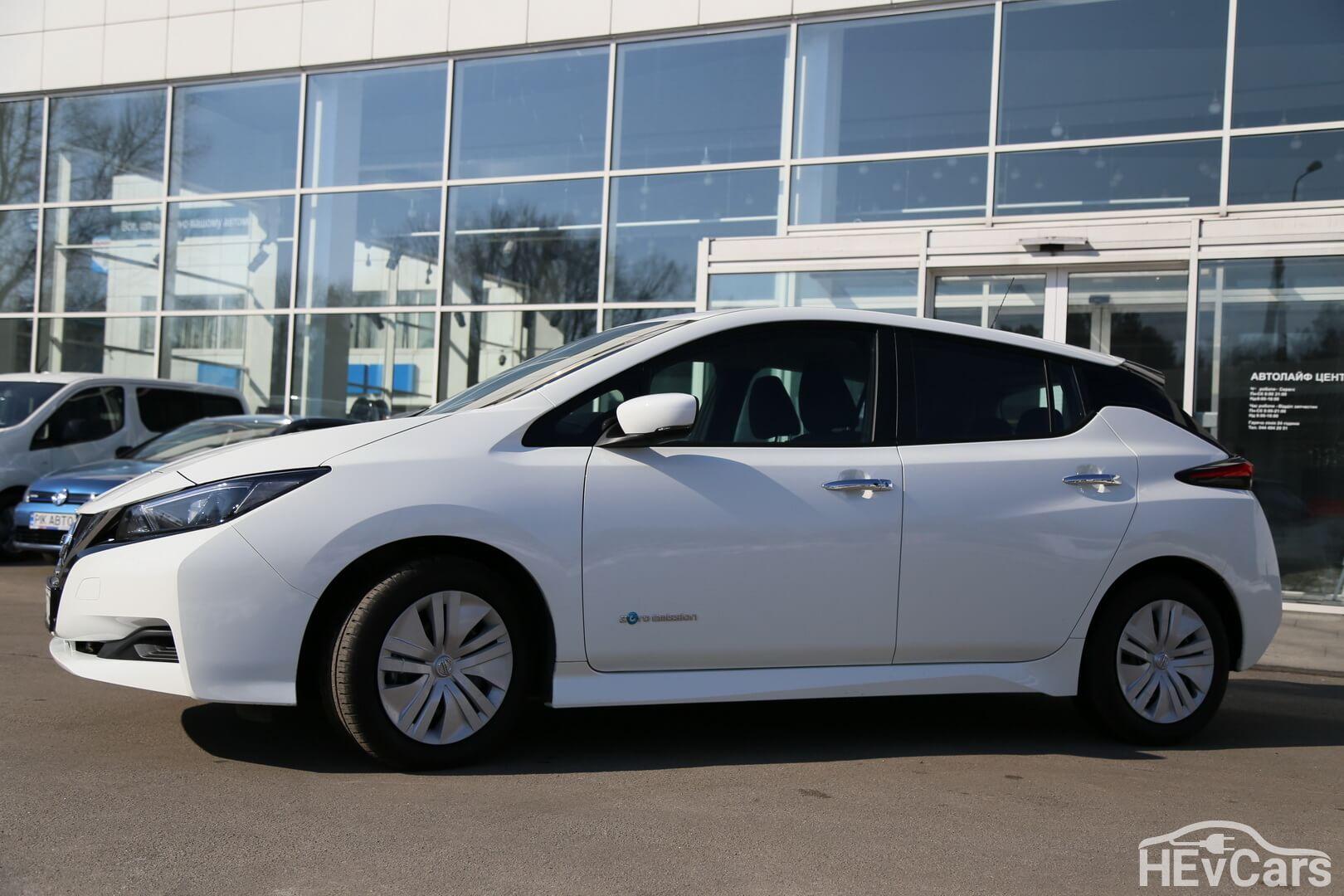 Дизайн Nissan Leaf второго поколения кардинально изменился