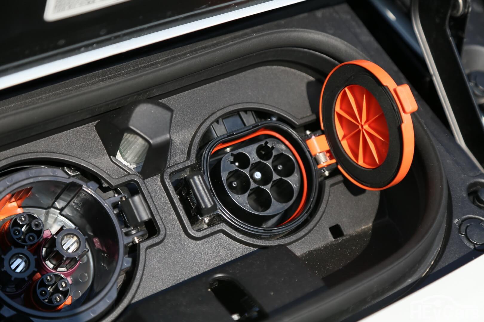 Разъем для зарядки европейской версии Nissan Leaf 2018 — Type 2 Mennekes