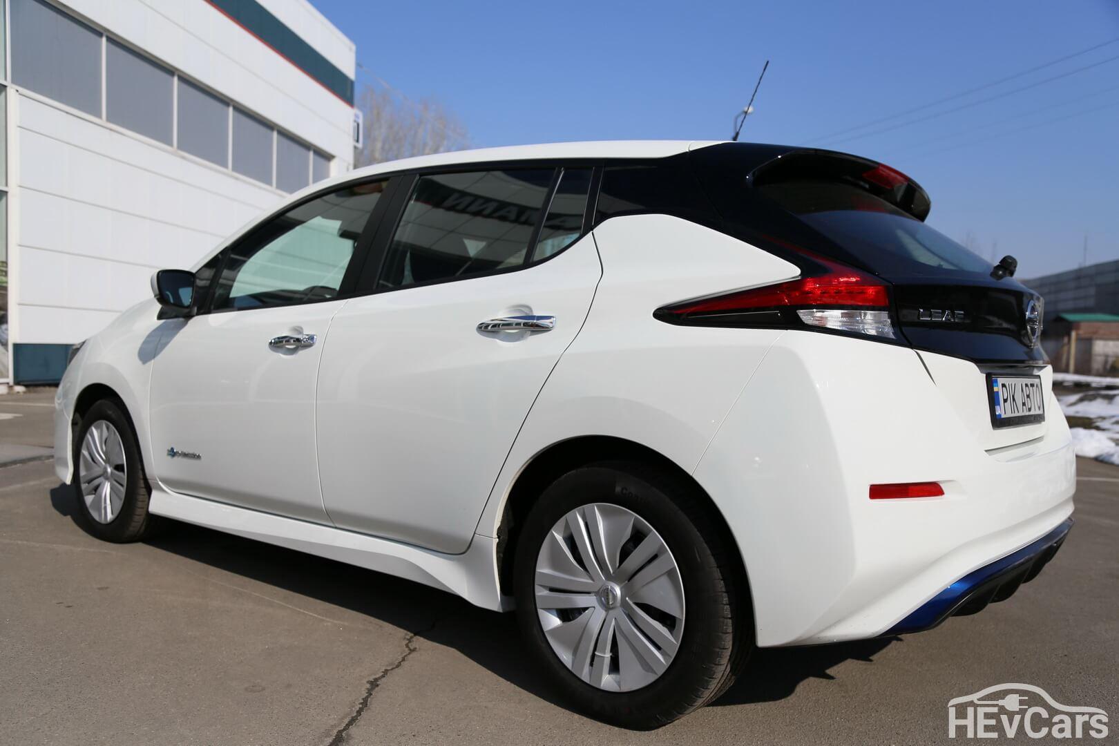 Nissan Leaf второго поколения — фото 2