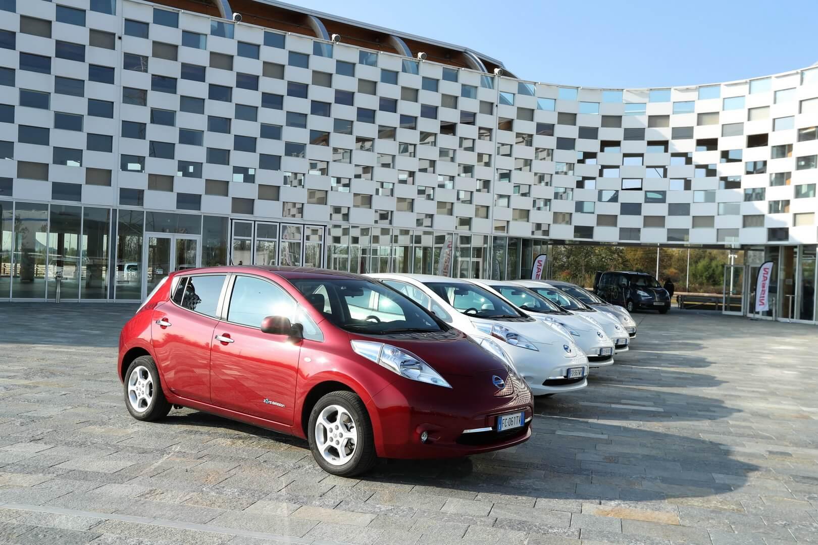 Nissan Leaf — самый продаваемый электромобиль в мире